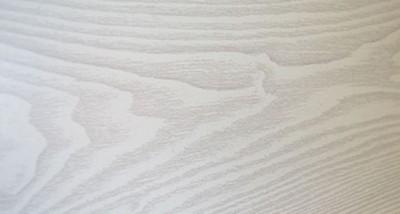 Электрокамин пристенный Бостон К Грот однотонный/Беленый дуб с очагом Fobos brass