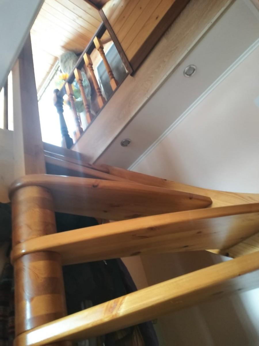Лестница из сосны ЛС-09м (вариант №1) Правая