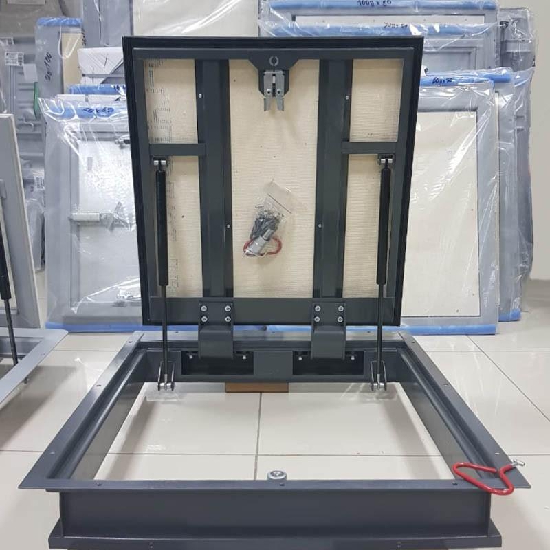 Напольный люк с амортизаторами 600 (петли)*700 БОНД (Ключ/ручка)