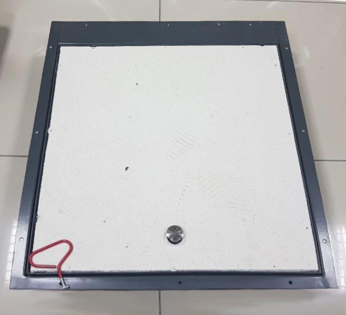 Напольный люк с амортизаторами 1000*1000 БОНД (Ключ/ручка)
