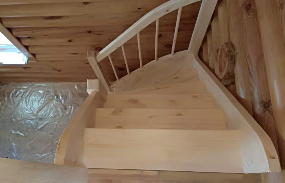 Лестница из сосны  ЛС-91м +2 (Вариант №3) Правая