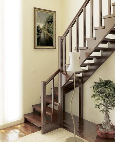 Деревянная межэтажная лестница ЛЕС-09 (поворот 90°)