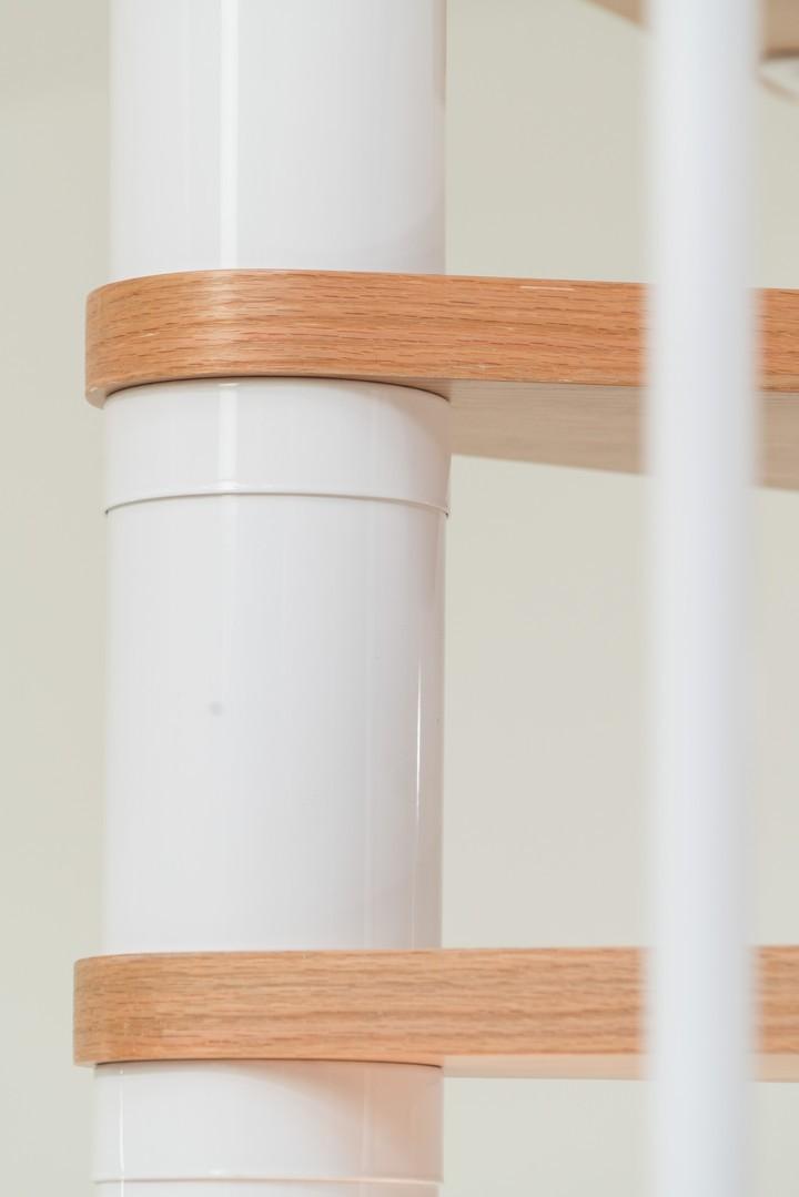 Винтовая лестница Montreal Classic, диаметр 140 см, белый