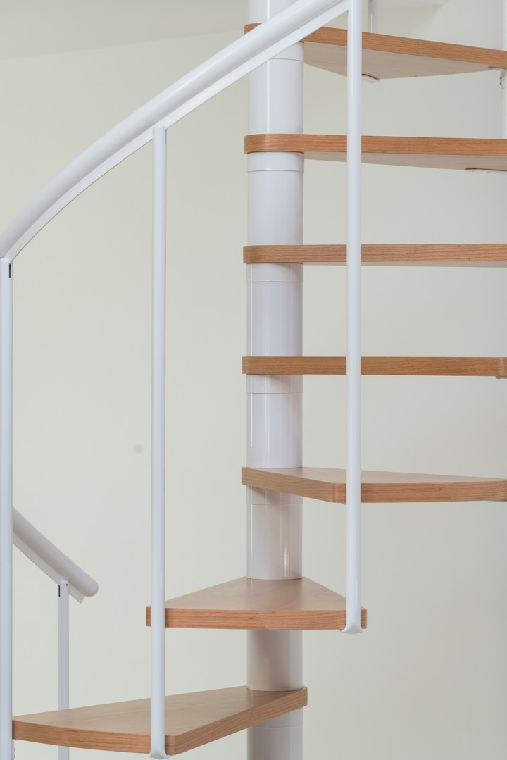 Винтовая лестница Montreal Classic, диаметр 160 см, белый